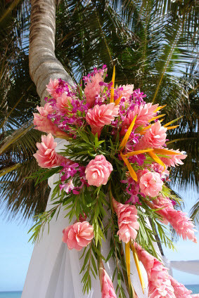 Tropical-Beach-Wedding-Flowers