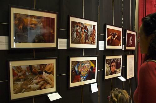 """Mostra """"Experience India"""" di Ami Vitale - Castelbellino, Teatro Beniamino Gigli"""