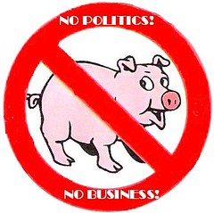 interzis porcilor in politica si afaceri!