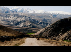 Roads to snow peaks (keedap) Tags: road trip india snow car bike deepak delhi deep leh distillery manali gauri ladakh pang rohtang naveen keylong baralacha sarchu upshi tanglangla surinder nakeela lachungla flickrunitedaward mygearandme mygearandmepremium mygearandmebronze mygearandmesilver mygearandmegold mygearandmeplatinum mygearandmediamond