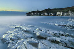 Selwick Bay; Flamborough; East Yorkshire (Corica) Tags: longexposure sea seascape water sunrise landscape chalk nikon yorkshire cliffs tokina northsea geology d300 flamborough selwicksbay corica selwickbay eastridings
