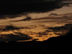 cable (Jellyfish77) Tags: tramonto nuvole foschia profilo