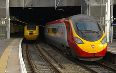 IMGP7669 (mattbuck4950) Tags: england london unitedkingdom trains virgin railways 2009 euston nmt hst virgintrains eustonstation pendolino bananaboat networkrail class43 westcoastmainline wcml class390 virginpendolino flyingbanana 43062 newmeasurementtrain britishrailclass43 390010 britishrailclass390 tiltingtrains londoneustonrailwaystation trai9ns