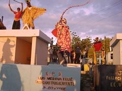 Cachuas Cabral Fueteando tumbas