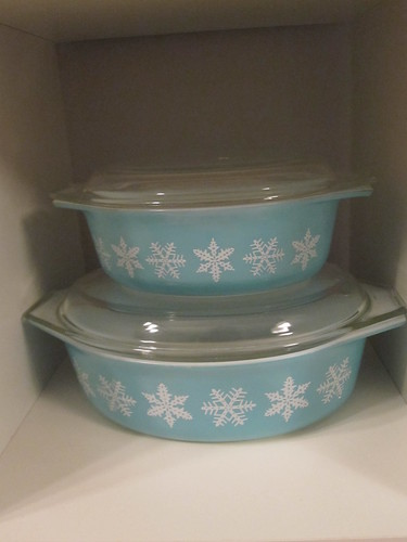 Snowflake casserole dishes