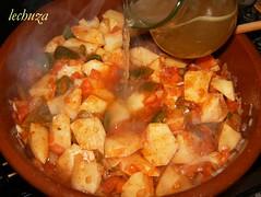 Marmitako de salmón-añadir caldo