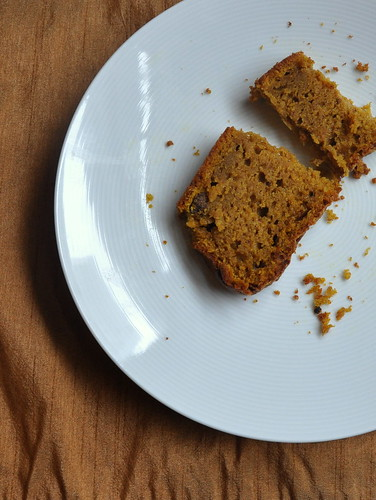 4098344088 73253dc050 Pumpkin Tea Cake: I Knew This Would Happen