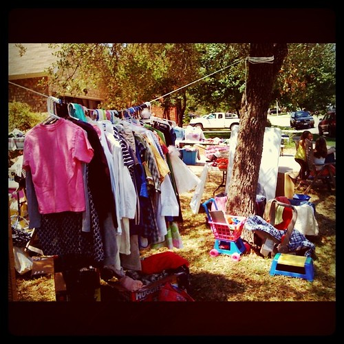 My very L A S T garage sale E V E R.