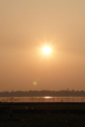010.湄公河的日出 (6)