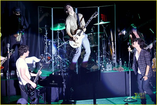 jonas-brothers-irving-plaza-concert-09