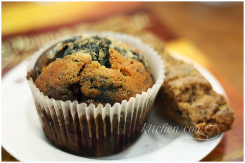 Blueberry Muffin & Biscotti