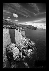 Croatia_13 (Simon Donini) Tags: sea summer white black castle monument mare estate monumento croatia mura turismo castello bianco croazia dubrovnik nero ragusa