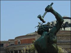 Palermo (_EdG_) Tags: italien italy statue square teatro italia sicily piazza palermo statua sicilia teather politeama 5photosaday