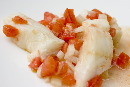 Flounder with tomato and onion