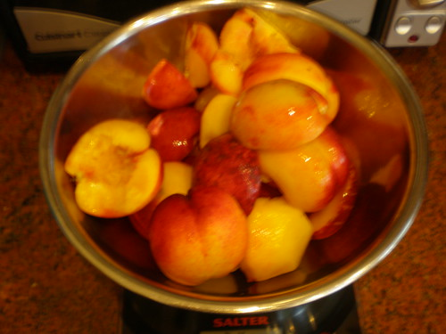 The fruit was chopped roughly before going into the pan
