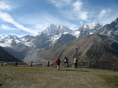 Blick von der Bergstation des Kanzelliftes auf das Ortlermassiv und die Königspitze
