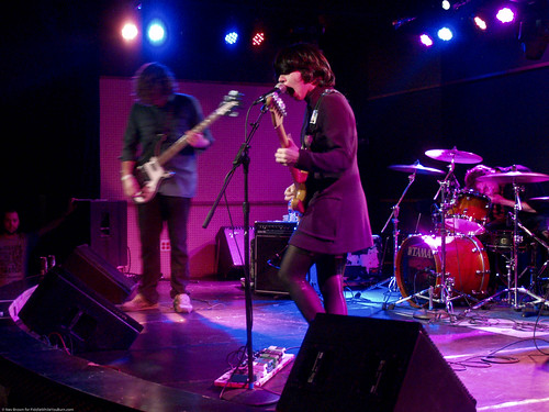 10.24.09 Screaming Females @ Knitting Factory (14)