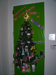 2009 HOLIDAY DOOR DECORATING CONTEST (spike55151) Tags: christmas door xmas winter holiday doors contest decoration decorating 2009 doordecoration doordecorating hshsl