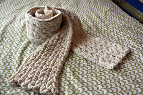 Reversible cable scarf: done!