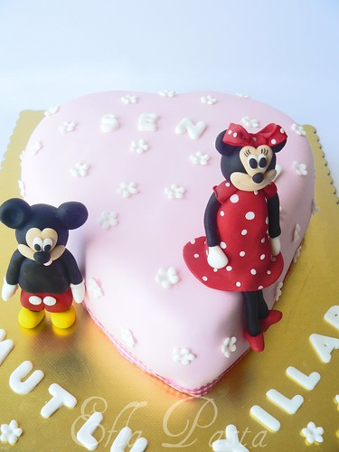 mickey an minnie mouse cake