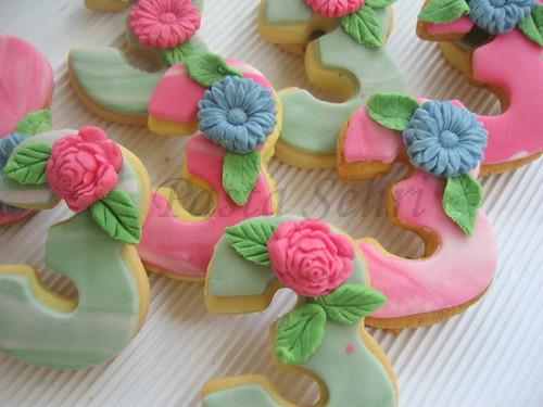 3. yaş pastamız ve kurabiyeler 012-1