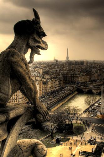 Gargola en Notre Dame. Notre Dame gargoyle.