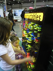 Giant Lite Brite! by Instructables