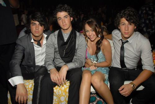 mileyjobrostogether