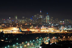 Night of Sydney Kingsford Smith Int'l Airport-YSSY  (Dennis Wu_) Tags: sydney australia cx ek syd qf  yssy  sydneykingsfordsmithintlairport
