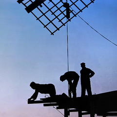 Windmill restoration (Bn) Tags: life old building netherlands windmill silhouette architecture rural landscape outside 1982 europe european exterior outdoor timber framed scenic scene historic menatwork repair restored restoration topf100 impressive zaanseschans wieken recovered windmolen repaired dezaanseschans silhouetten 100faves erih windmolendekat historicwindmill