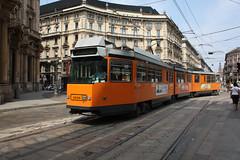 Elettromotrice 4996 svolta in Via Orefici (Andrea Zaratin) Tags: milano tram via piazza duomo 4900 27 atm ungheria tpl cordusio 4996 orefici
