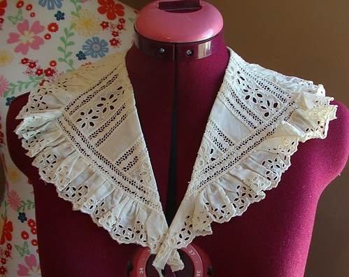 eyelet and french lace collar vintage