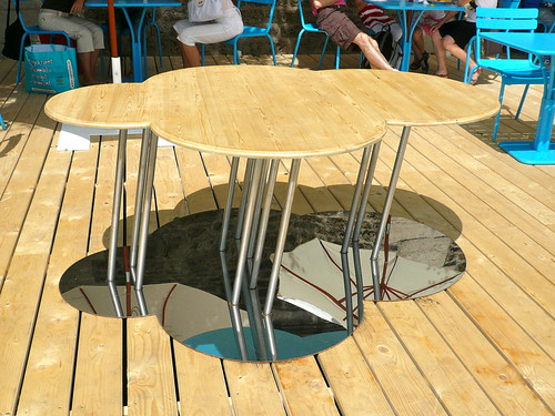 Paris Plage. Designer table or art? Photo: JasonW