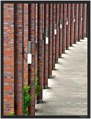 alsterweg (Winfried Veil) Tags: brick green geometric lamp germany deutschland veil geometry hamburg arcade columns perspective lamps winfried perspektive colonnade portico lampen neustadt geometrie clinker klinker geometrisch grun kolonnaden klinkersteine saulen mobilew alsterweg winfriedveil saulengang