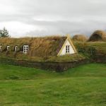 Glaumbaer turf house19082009_00