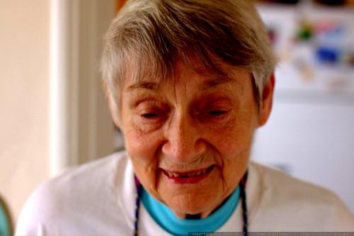grandma joan saying goodbye - _MG_1389