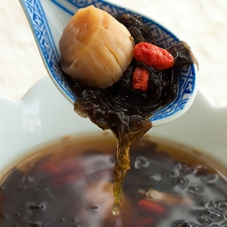 Dried Scallops & Seaweed Soup