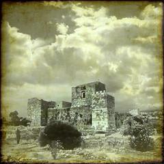 (digitalpsam) Tags: lebanon art ancient ruins mediterranean mood creative middleeast fortress lebanese crusaders liban byblos jbeil mountlebanon loubnan jubayl sammatta