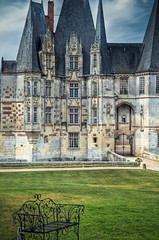 Muted Monday (Allard One) Tags: autumn france castle fall architecture nikon herfst medieval historic explore frankrijk tuin cinematic normandy 2009 hdr kasteel lightroom bankje historisch normandi frenchcountryside bassenormandie mutedcolours chateaudo middeleeuws photomatix 1755mmf28 takeaseat nikkor1755 d80 nikkor1755mmf28 ses tuinstoelen nikond80 spookycastle mortre detailenhancement allardone allard1 benchmonday 3handheldxps nikcolorsilverefexpro mutedmonday allardschagercom