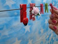 Grampos (Mááh :)) Tags: pink red flower macro verde green colors project cores stars hand flor rosa estrelas céu vermelho nails coloring projeto mão joaninha varal unha colorido prendedores grampos 365days homersiliad