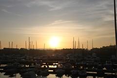 Anochece... (Juan Ramón Galán Jiménez) Tags: españa canon atardecer barcos andalucia puestadesol cádiz veleros puertodeportivo canoniani puertodesotogrande