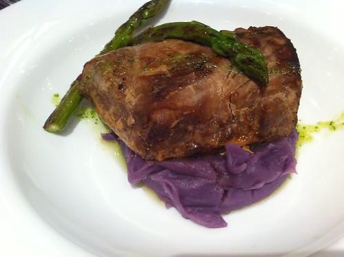 Barcelona | Hotel H10 Catalunya Plaza | Lomo de atún marinado con puré de patata violeta