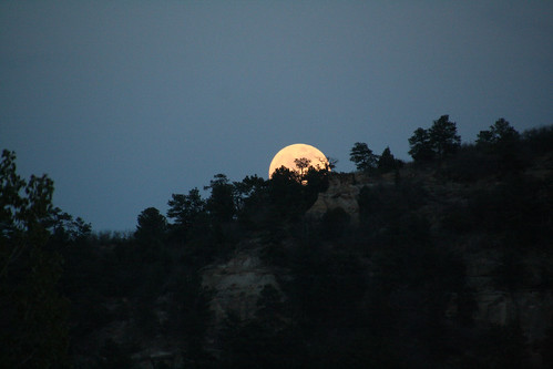 moon rising 2