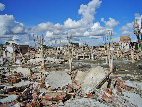 LUGARES ABANDONADOS-LUGARES OLVIDADOS (sitios fantasma en el mundo) 3566431038_145edb8acb