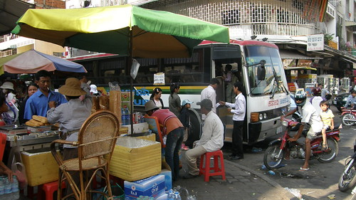 01.在Orussey Market的Capitor Tour巴士站