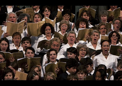 The Many Faces of Music (edmundlwk) Tags: paris france church choir faces expression yawn sing 1755mm eglisedelamadeleine canon450d rebelxsi edmundlim lesdimanchesmusicaux