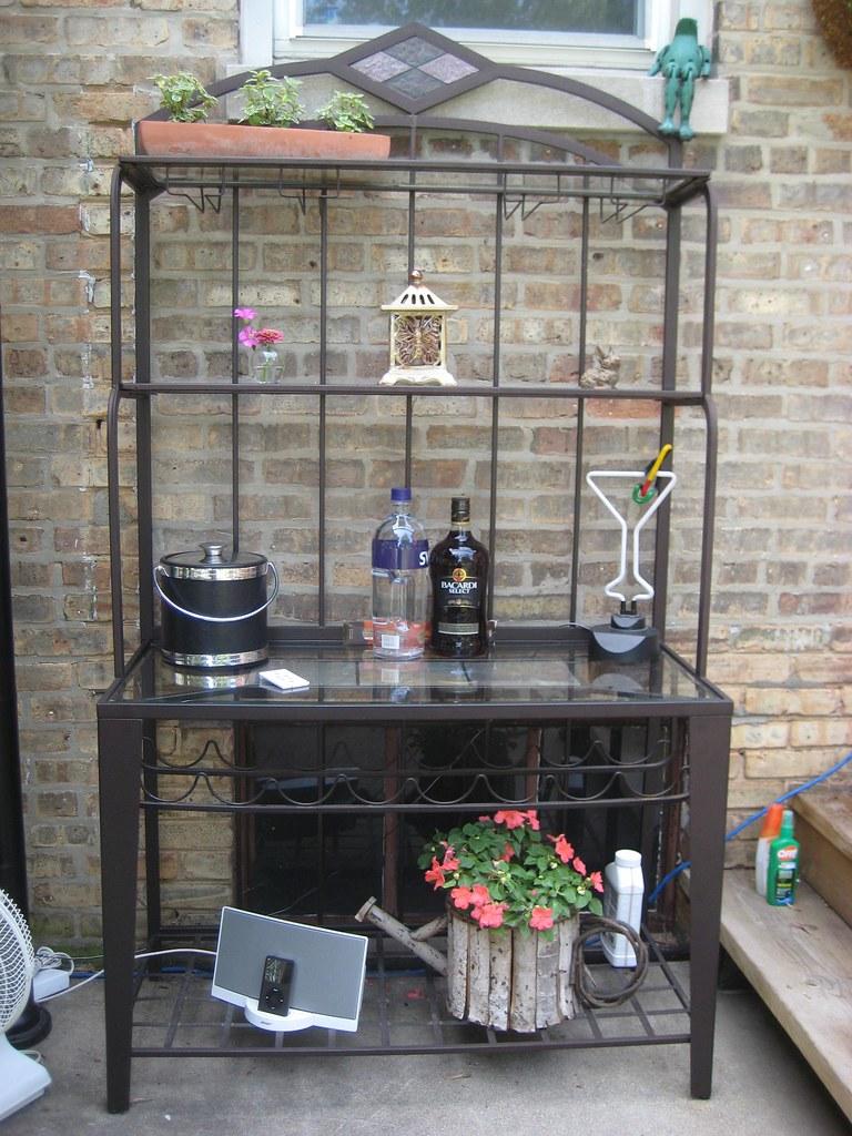 baker's rack-patio 071109