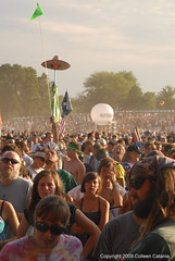 Rothbury Crowd by Colleen Catania Photography
