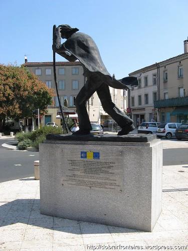 Monumento ao Peregrino de Santiago em Castres, França