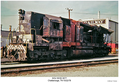 SOU SD35 3077 (Robert W. Thomson) Tags: railroad chattanooga train fire diesel crash tennessee railway trains southern locomotive trainengine wreck sr sou wrecked burned southernrailway derailment emd sixaxle sd35